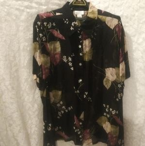 Plus size  AVENUE sheer blouse. SIZE 22/25